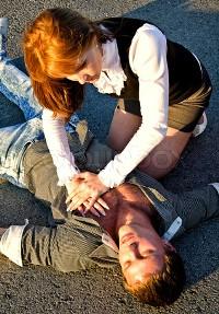 Реанимация пострадавшего при признаках клинической смерти.