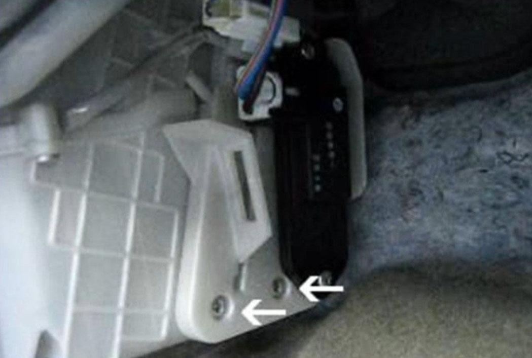 Втулки заднего стабилизатора мазда 3