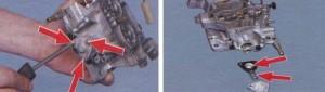 Ускорительный насос и пружина