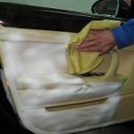 Как своими руками сделать химчистку салона автомобиля?