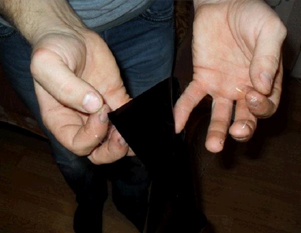 Фото: отделение тонировочной пленки от подложки