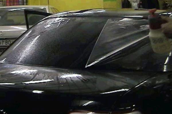 фото: тонировка заднего стелка автомобиля