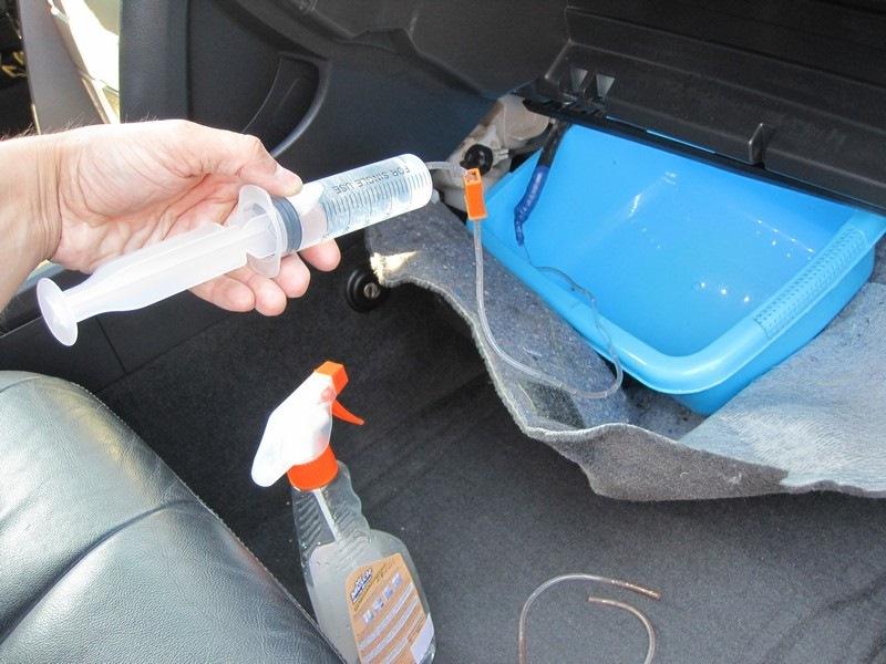 Чистка кондиционера в машине своими руками. Запах