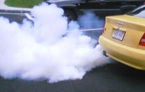 Дым из трубы при ускорении