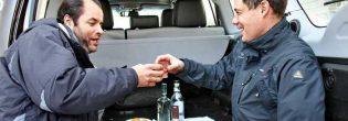 Что будет, если пить в машине алкоголь?