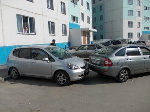 ДТП на парковке: сложная ситуация