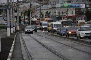 Езда по встречке трамвайной полосы