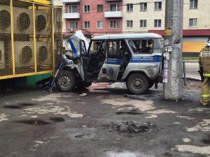 Наглядный пример ДТП со служебным транспортом
