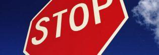 Как штрафуют за знак «Движение без остановки запрещено»?